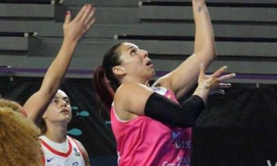 Esther Montenegro durante una jugada